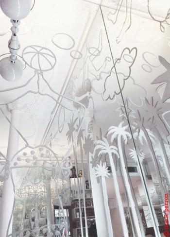Link to Paris: Paint it white